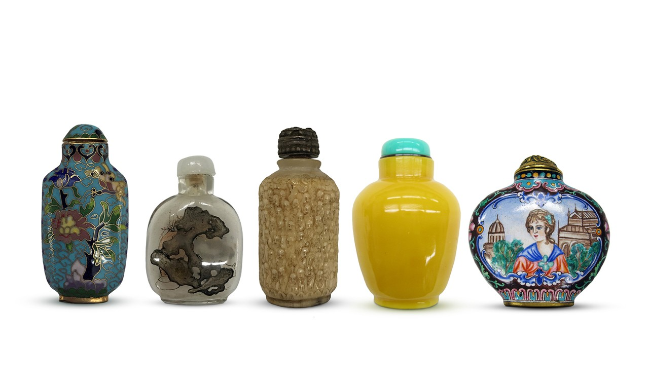 Bottled Beauty: Snuff Containers of China