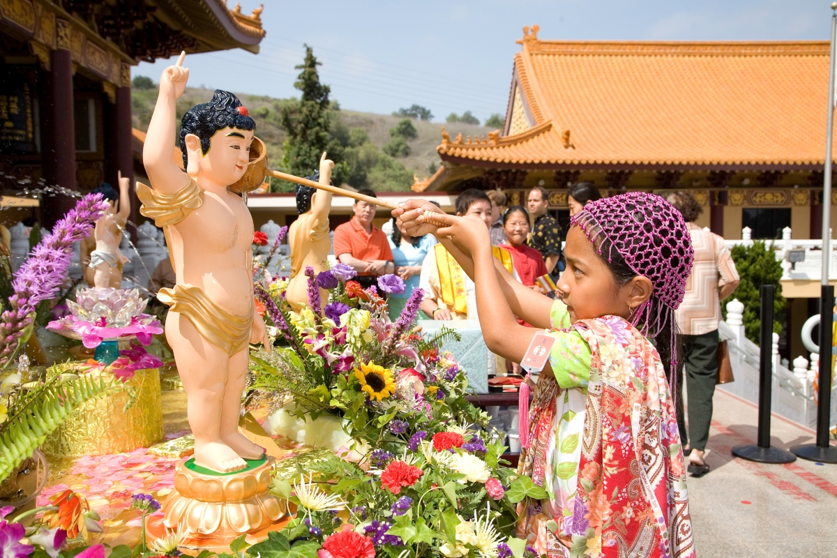 Hsi Lai Temple Celebrates Buddha's Birthday!